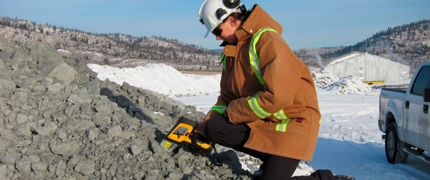 analyze metals in soil with a handheld XRF gun